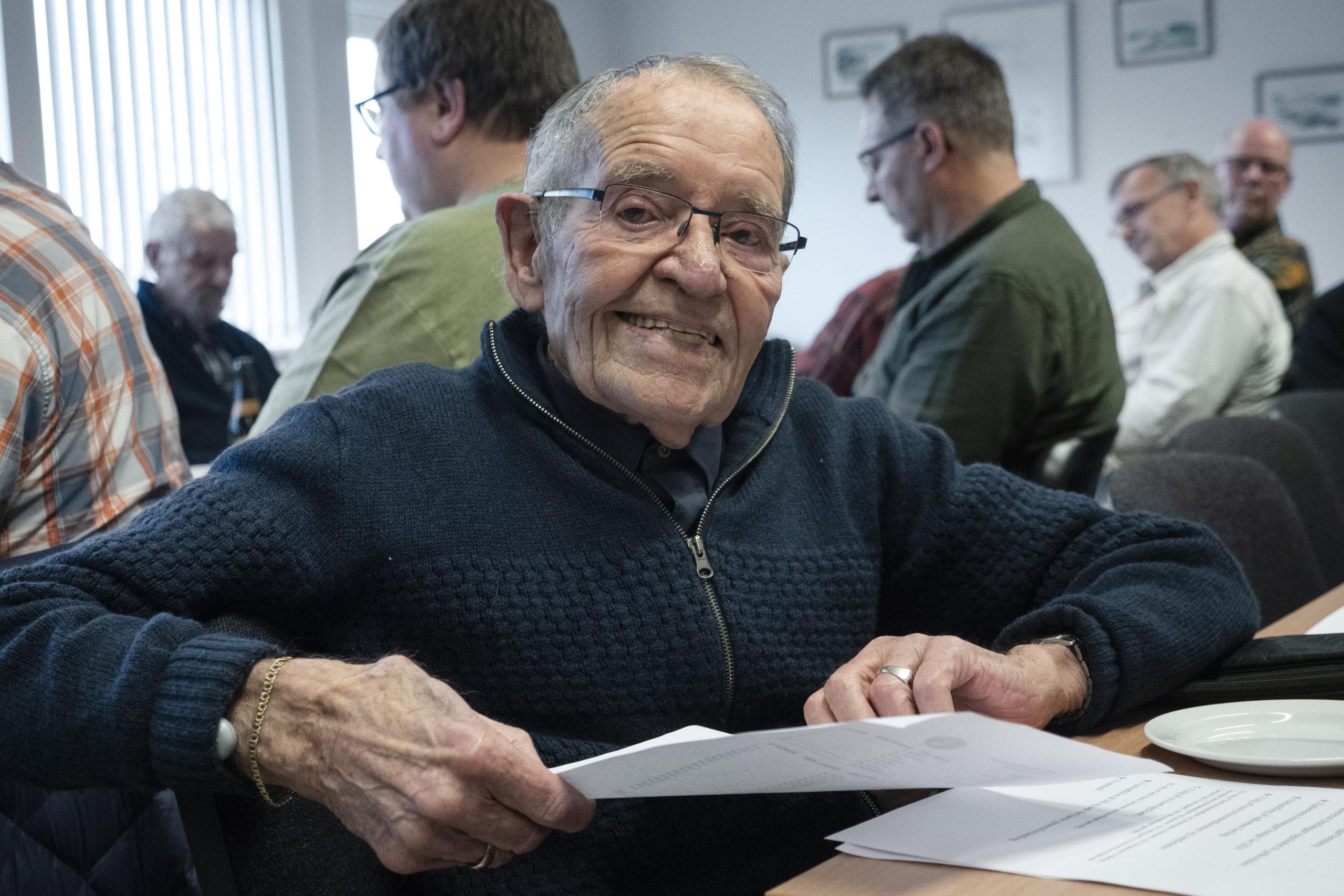 94-årige N.O. Rasmussen fra Skive er en ægte 26-mand. Han er nemlig født i 1926 og lige så gammel som Lystfiskerforeningen af 1926. N.O. Rasmussen er æresmedlem af Lystfiskerforeningen af 1926 og en trofast gæst, når foreningen, hvert andet år, holder generalforsamling i Trevad Ørredpark.